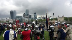 London commuters battle monsters in Clash Of Kings stunt